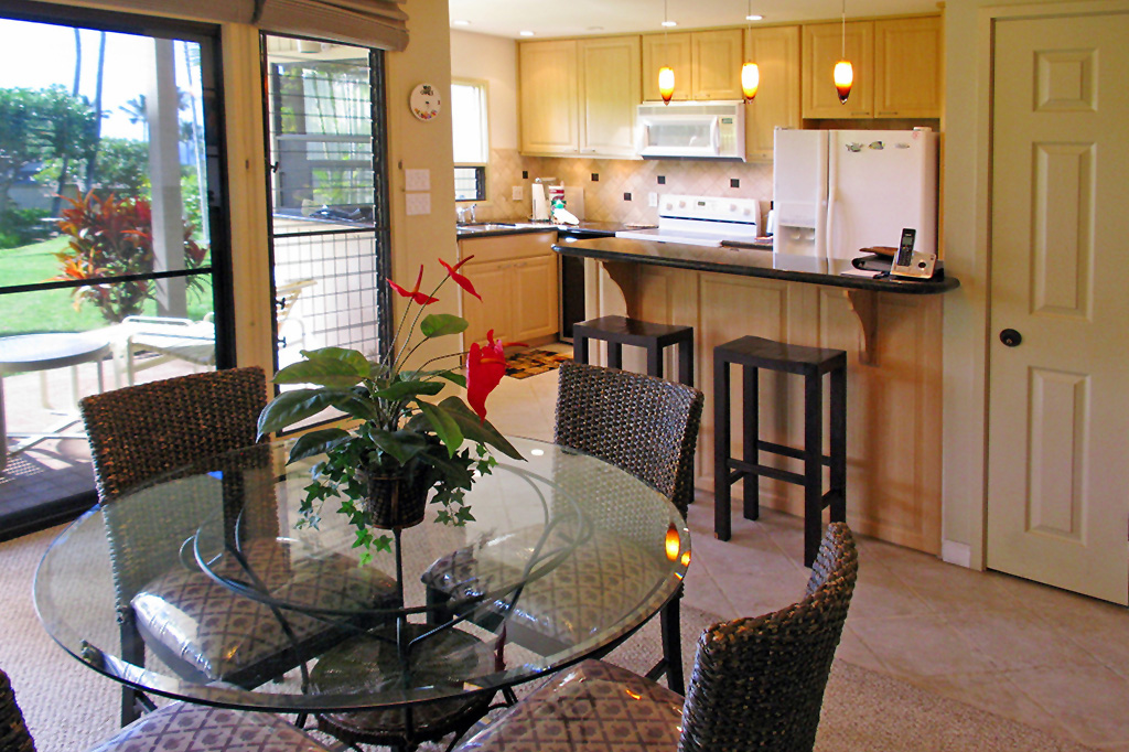 Click here to view 360° VR Images of Wailea Ekolu Village Luxury Rental Condo #1403.